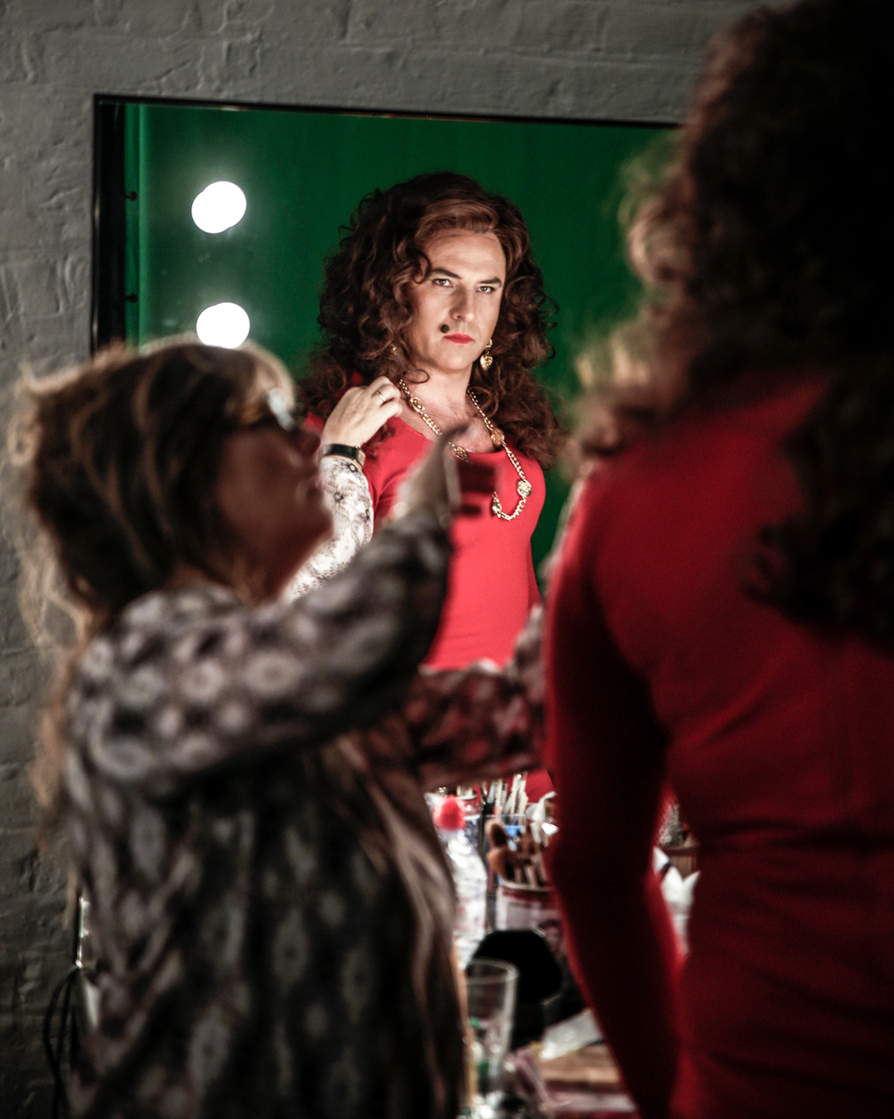 David Walliams dressed as Cindy Crawford (behind the scenes on a Comic Relief shoot)